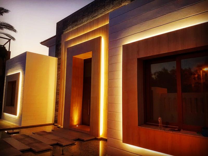 Iluminacion fachada con Led